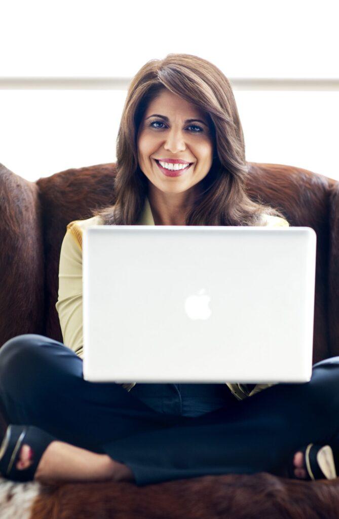 Tammy Hamawi with laptop